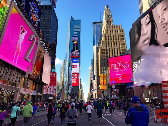 Running through Times Square.  Blinded by bright lights & awesome cheers! United Half Marathon 2017.  #timessquarechaos #brightlightsbigcity #unitednychalf #halfmarathon  #nyrr #run #runner #instarunner #running #thingsiseewhilerunning #nyc #timessquare #winter