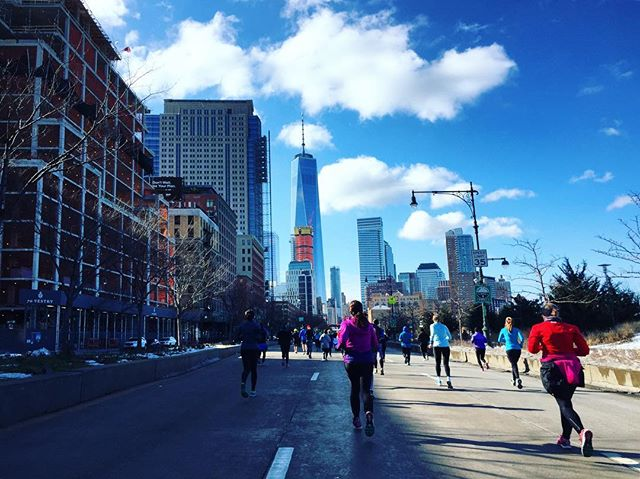 World Trade Center in sight mean home stretch! Come on finish line! United Half Marathon 2017.  #homestretch #almostthere #finishlinehereicome #worldtradecenter #brightlightsbigcity #unitednychalf #halfmarathon  #nyrr #run #runner #instarunner #running #thingsiseewhilerunning #nyc #architecture #towers #winter