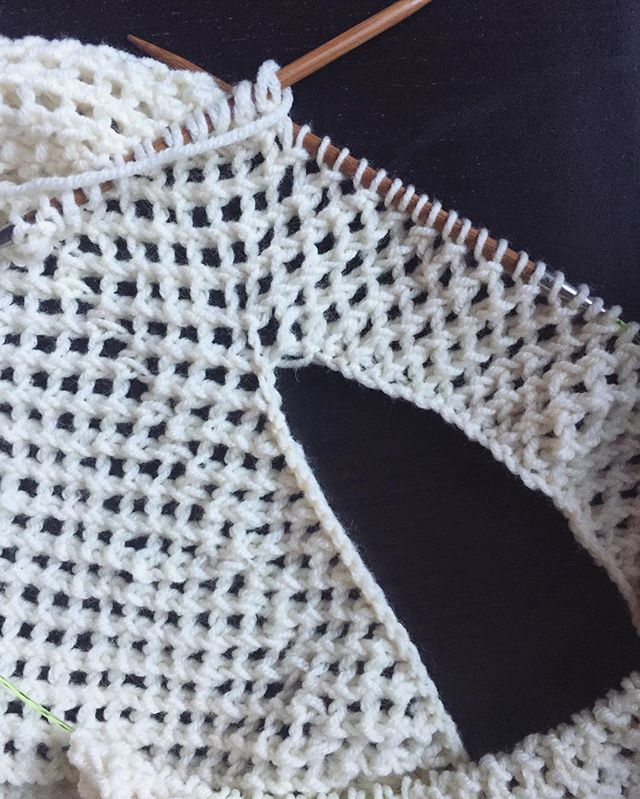 A hole for my neck 💁🏻. This might turn into a shirt after all...progress update = back done, moving on to the front.  #whatpeopledidbeforemachines #knit #knitting #craft #handmade #yarn #stitches #lionbrandyarn #lattice #lace