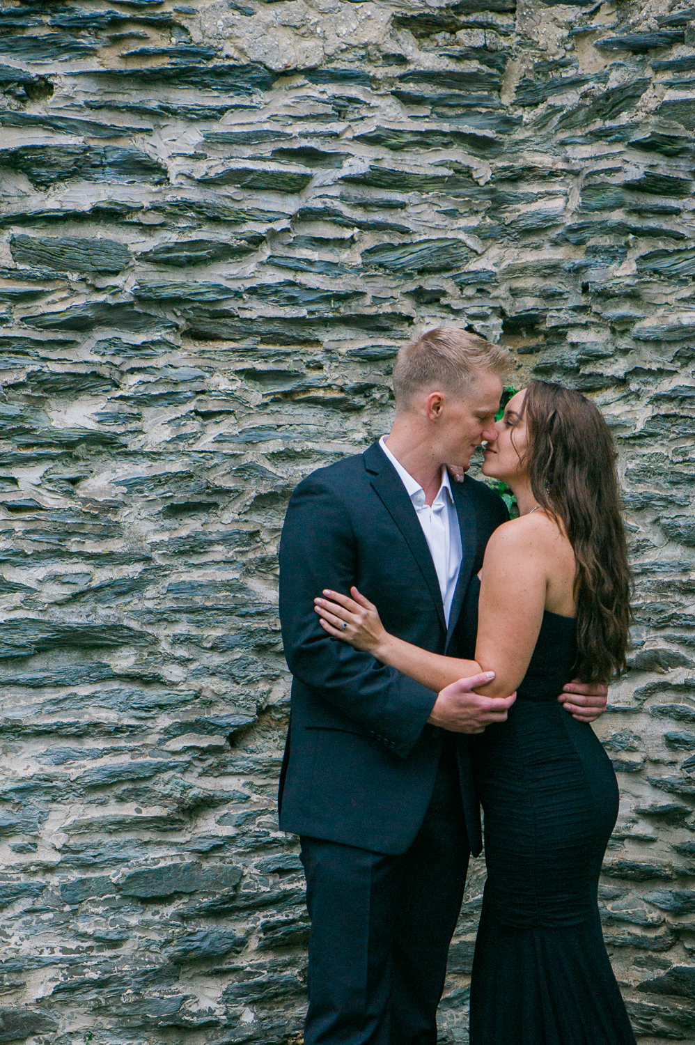 callie-and-chris-harpers-ferry-church-ruins-engagement-1-2.jpg