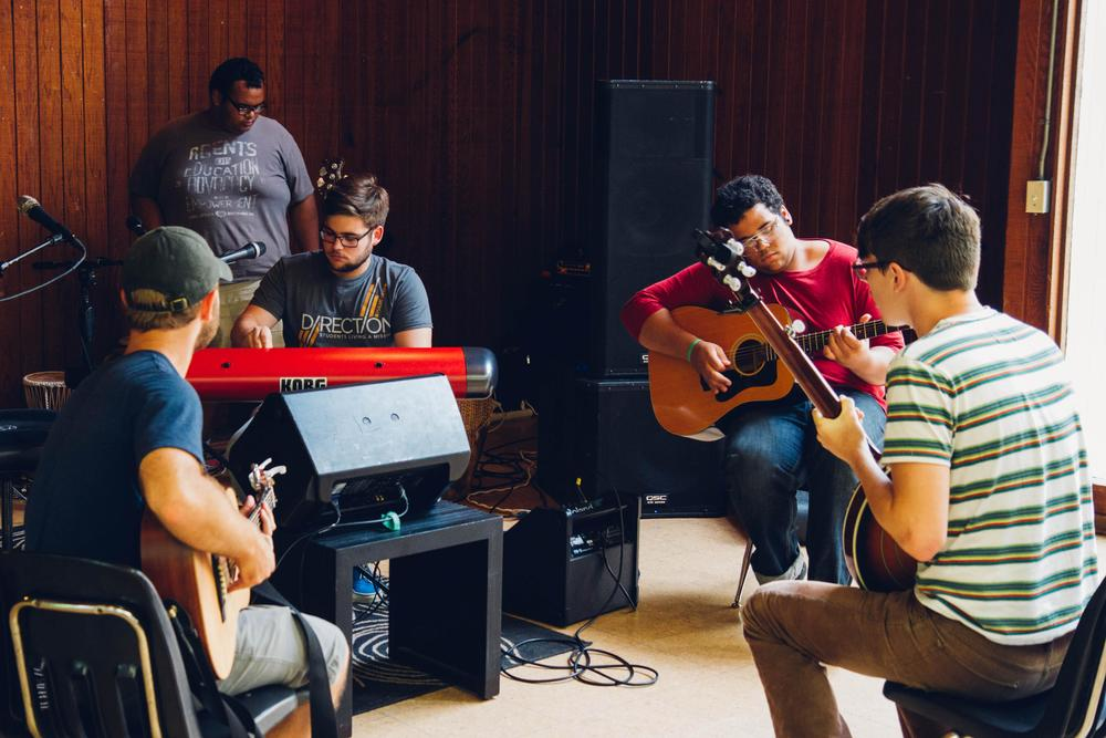 Musicians and singers collaborated to create original music and lyrics to accompany a One Act play, written and directed by participants of the conference. Creating something meaningful to be communicated through the medium of theater is a challenge in and of itself, but doing so with people you just met brings even greater obstacles, as well as incredible rewards when you accomplish it–which they did, masterfully.