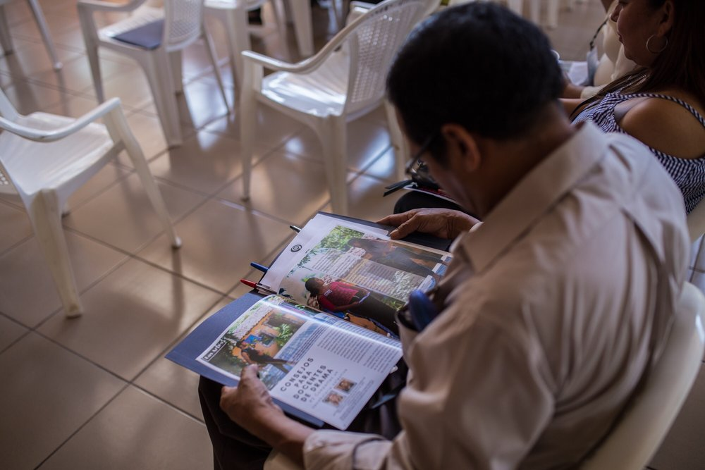 The internet is a well of information that teachers in the U.S.A. access frequently, but the teachers in El Salvador rarely have the ability to access it. We provide through, empowering, relevant, and appropriate information to them via Recursos, our teacher's resource magazine, and it's always accessible!