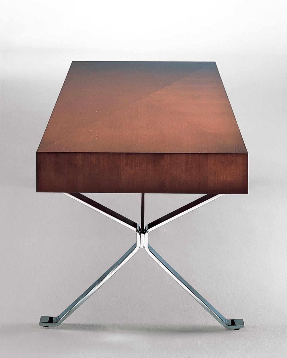 X_Table_Detail_01.jpg
