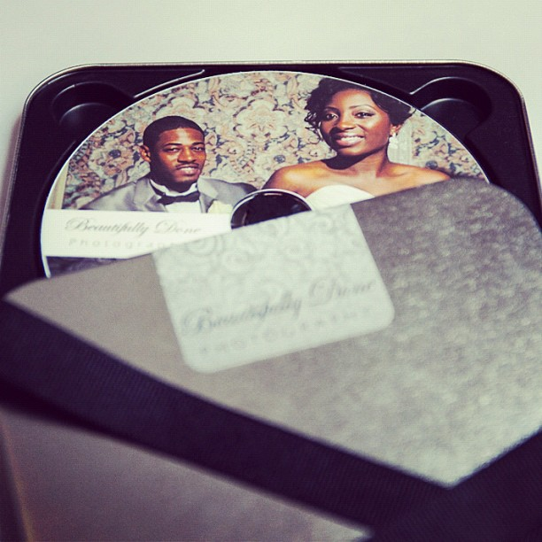 What do your wedding customers receive? One of the many things my customers receive is a custom made container which contains discs of their images. #gift #wedding #tin #custom #customer #weddingimages