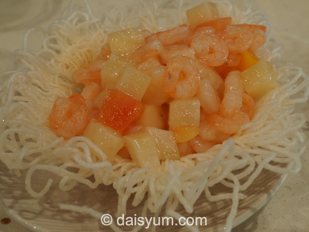 Prawns cooked with fruit