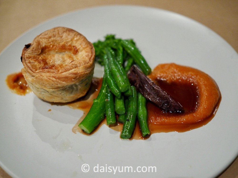 B  EEF   C  HEEK   flaky puff pastry pie of slow cooked beef cheek and mushroom with pumpkin puree, broccolini, jus