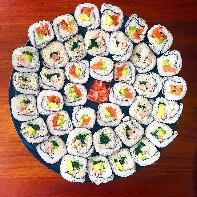 Simple but yummy! 😋 . . . #japanese #deluxe #sushi #sushiporn #good #food #foodie #foodpics #foodcoma #foodblogger #daisyumblog #foodmadewithlove #foodshare #yummy #delicious #tasty #dinner #delicious #homemade