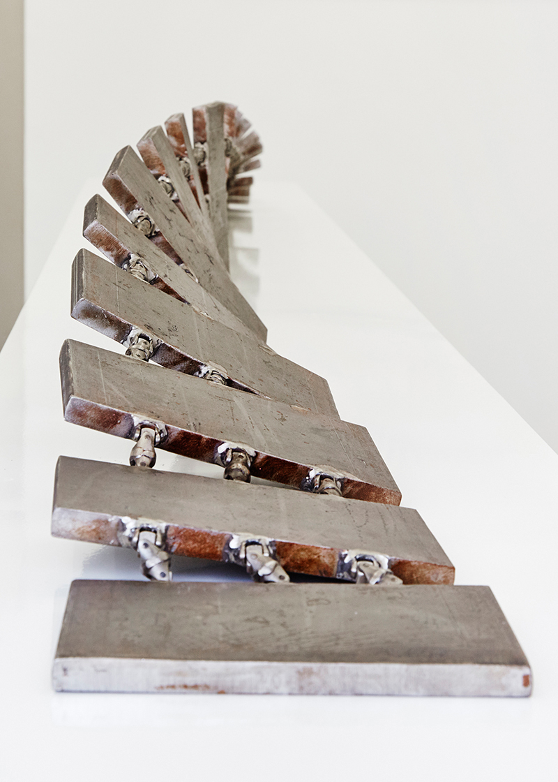 Chain Link Twist: Maquette