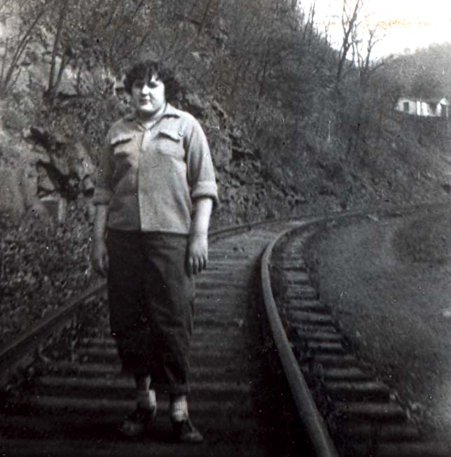 mom15railroadtrack