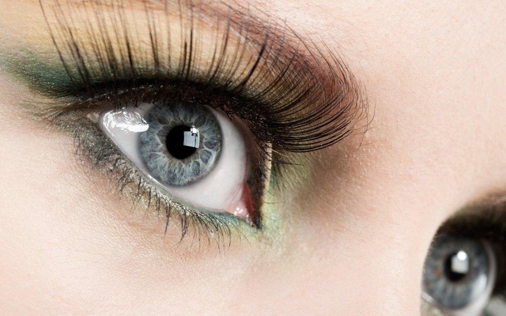 eyelashes-latisse.jpg