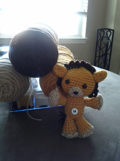 Kon - with yarn