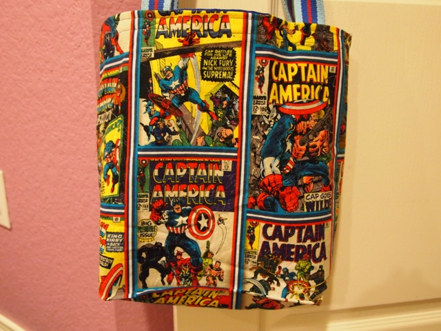 Captain America tote bag - close up