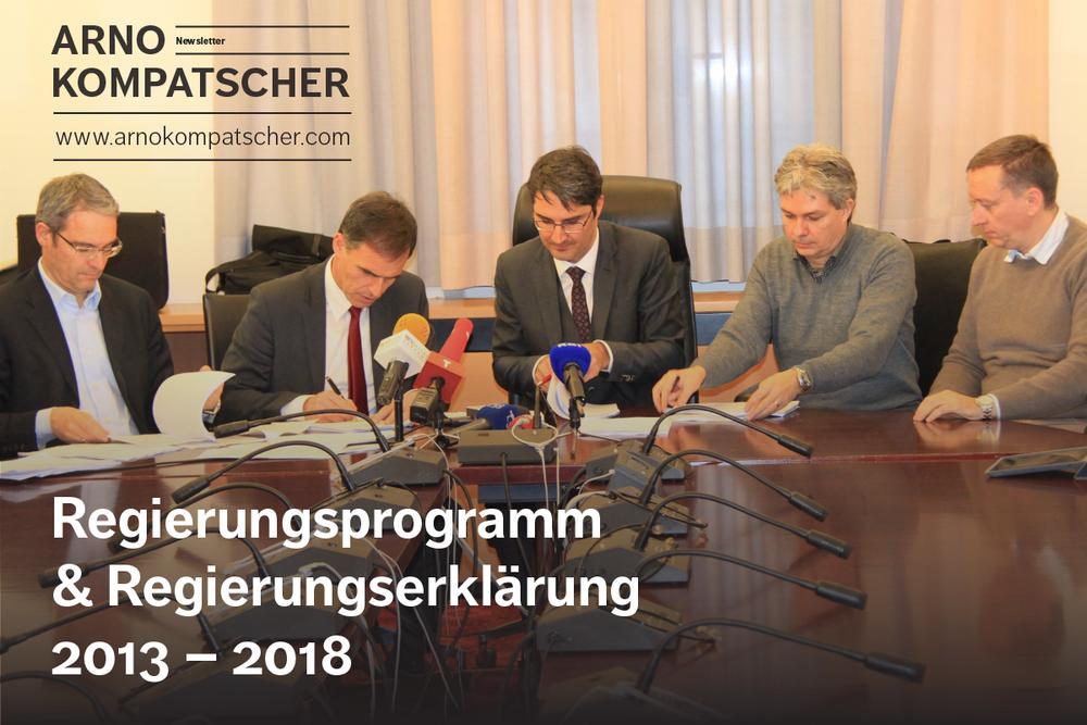 (v.l.n.r.) Dieter Steger, Richard Theiner, Arno Kompatscher, Antonio Frena (PD), Carlo Costa (PD) bei der Unterzeichnung des Koalitionsabkommens.