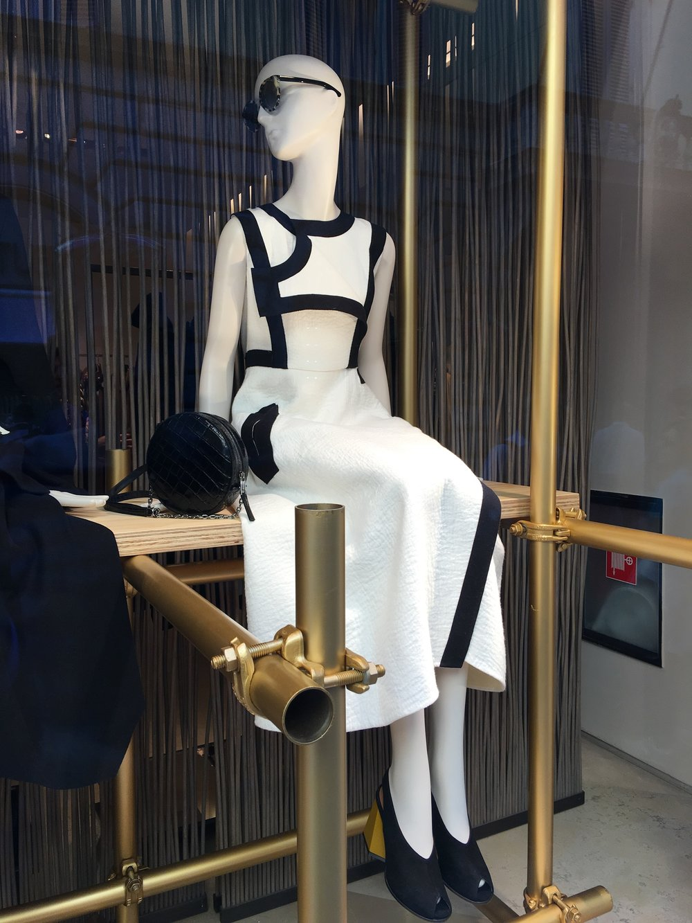 Max Mara black and white dress, FW16/17 in the Rome window display