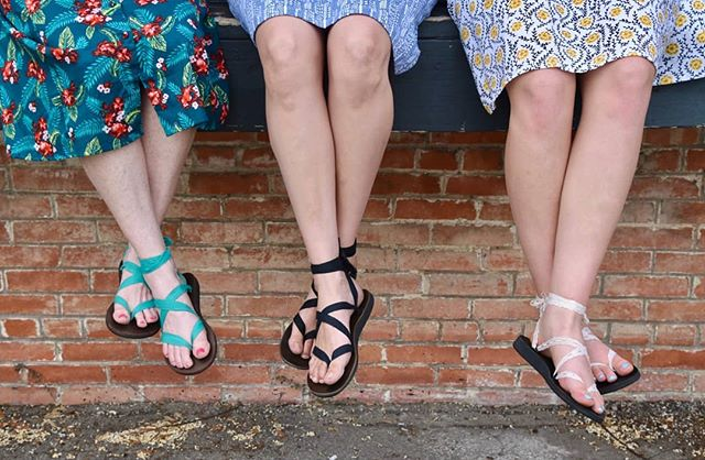 Just chilling with my coworkers with our super comfy Sseko sandals! . . #sseko #ssekostyle #ssekodesigns #ssekofellow #ssekosandals #ssekofellows #ssekos #fairtrade #handmade #ethicalfashion #fashionforgood #shopforgood #ethicalliving #giveback #ethical #ethicallysourced #downtownmckinney #fairforall #livelifefair #fairher #fairtuesday #chooseartisan #givebetternotmore