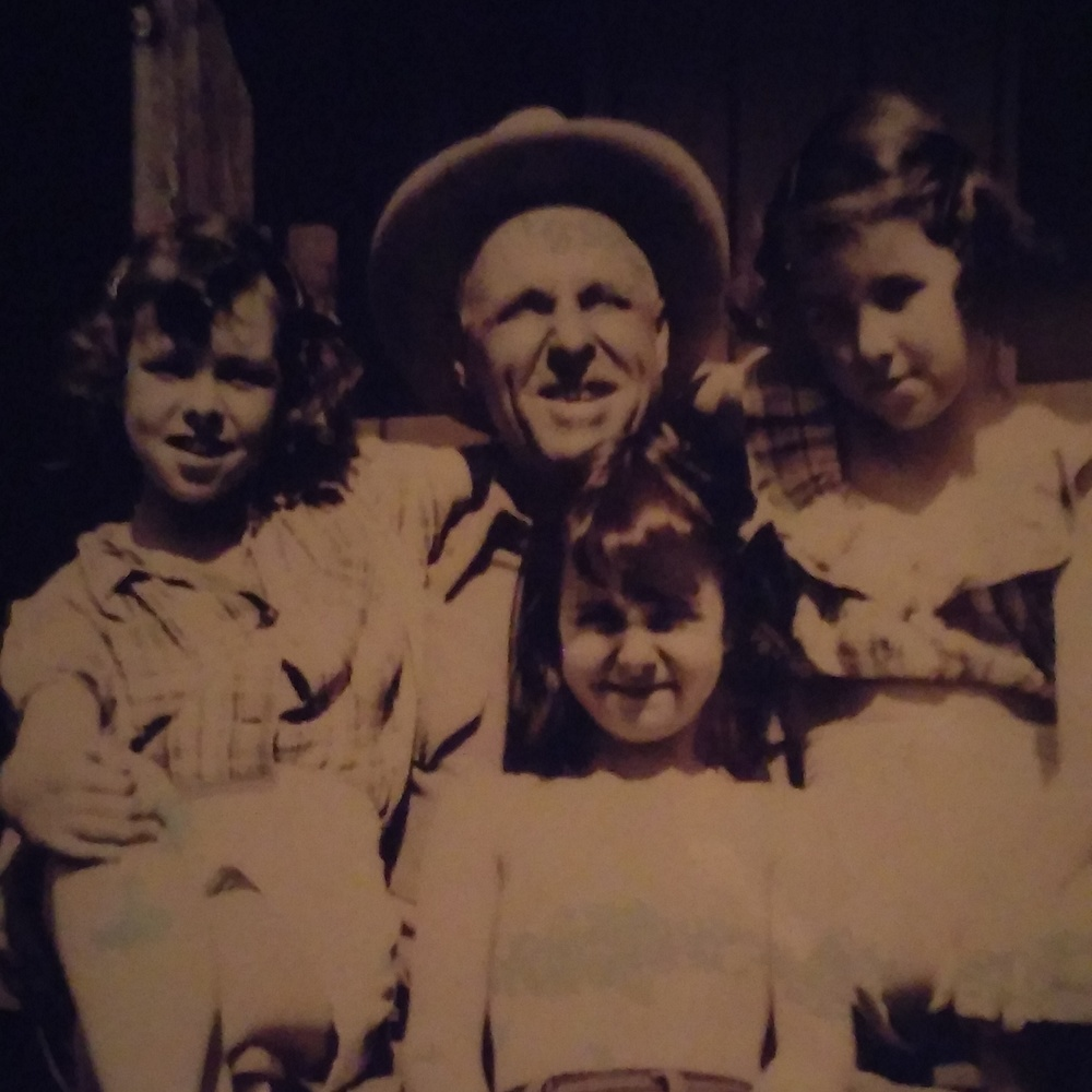 This is my great grandpa with my mom and my Tias.