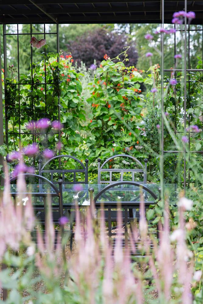 Mina Milanovic garden photography