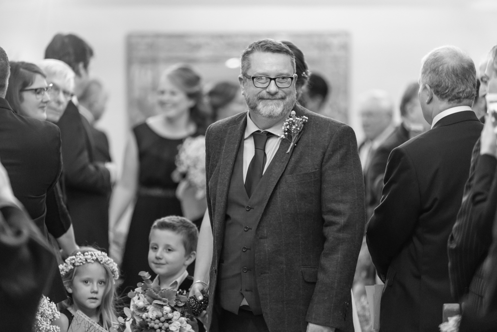 Twickenham and Surrey Wedding Photographer_Oaks Farm Wedding