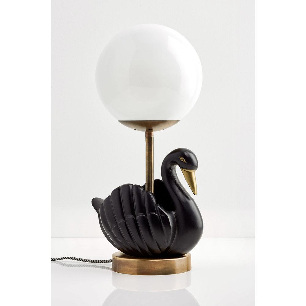 Le_Sunday_Sur_Le_Lac_Black_Swan.jpg