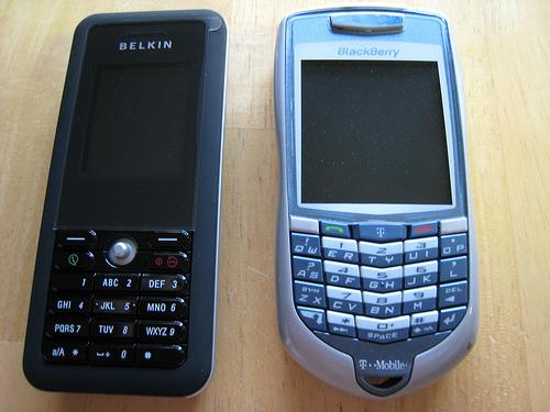 Belkin WiFi Skype Phone vs. Blackberry 7100, fronts