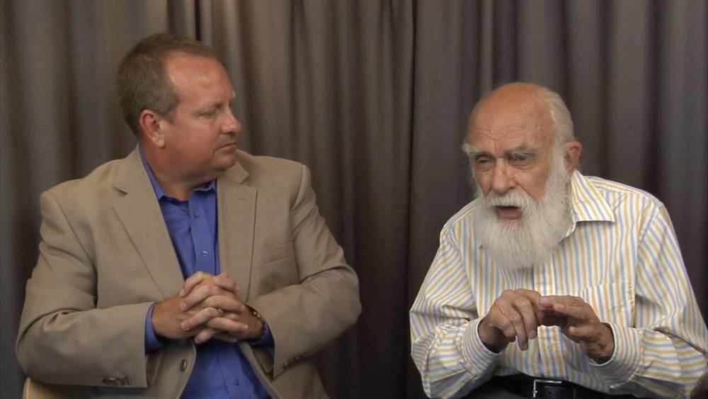"Mike Edwards and James ""The Amazing"" Randi"