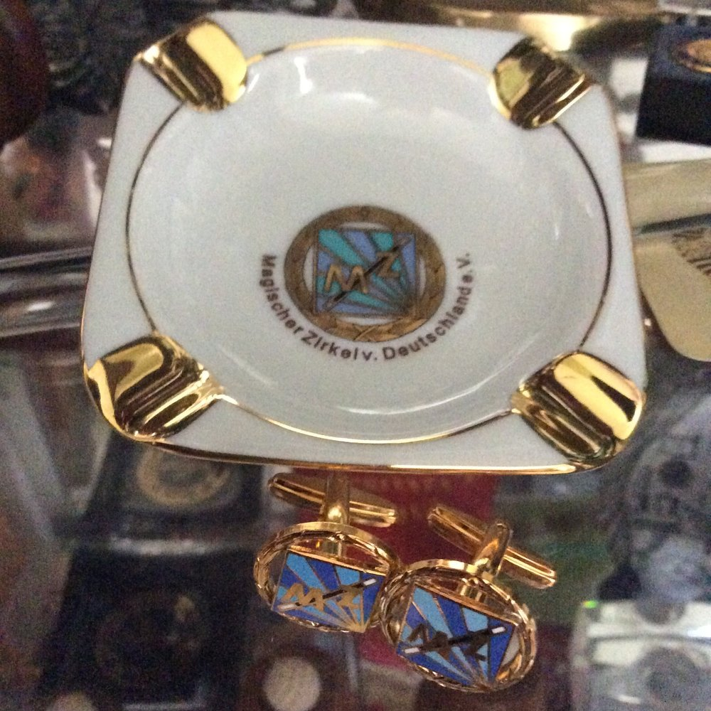 Ashtray and Cuff Links from Magischer Zirkel von Deutschland