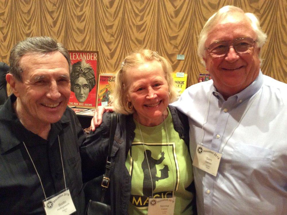 Scott Hollingsworth, Norma and Sam Gainer