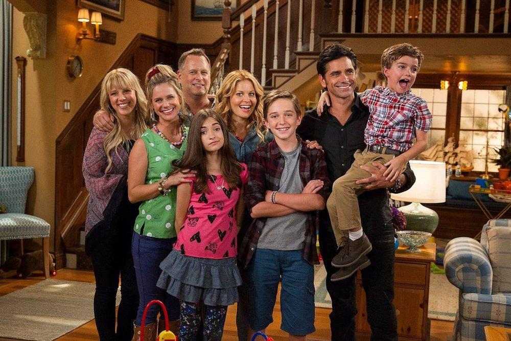Fuller House cast.jpg