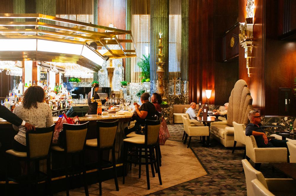 Art Deco bar inCincinnati Netherland Plaza