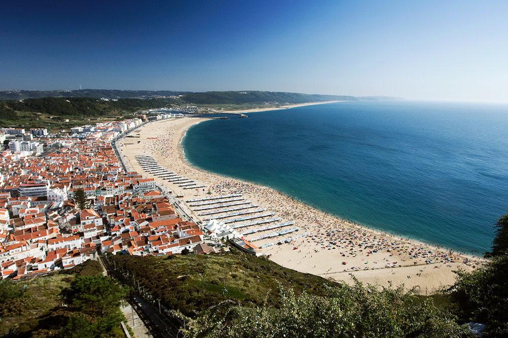 The view of Nazaré from the cliff.