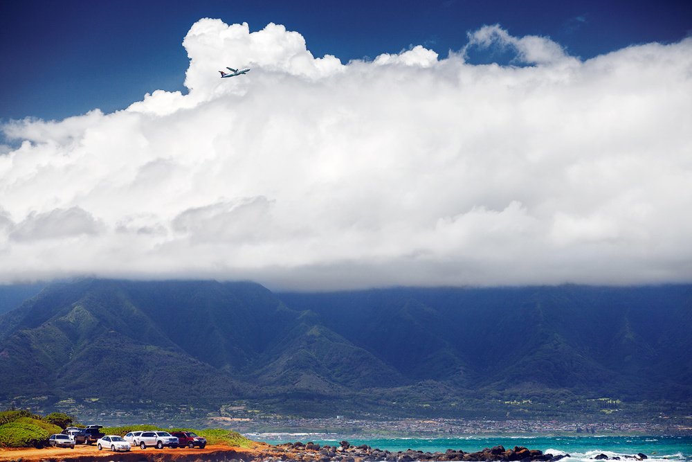 A plane taking off from Kahului Maui airport