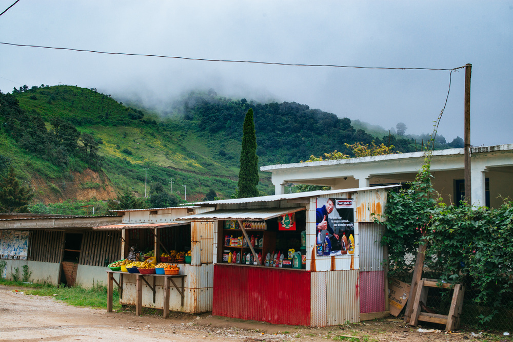 Small villages and stops in the mountains on the way to Mazunte