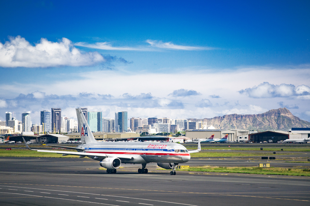 American Airlines  B757 in Honolulu Airport, Hawaii. The photo was taken through the window of Honolulu airport.
