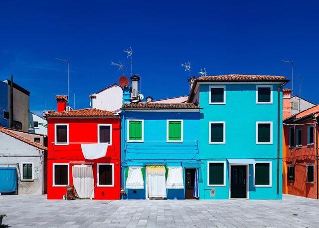 Burano Island, Venice, Italy 📊