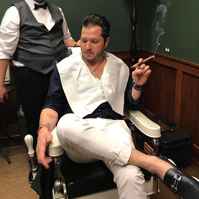 Just getting a little line up pre-event. #barber #labarba #cigar #cigars #cigaraficionado #cigarsnob #straightrazor #straightrazorshave #ferragamo #ferragamoshoes #mensfashion #menshair #weownthenight #runfromus #detroit #detroitbarber #michigan #cigarambassador