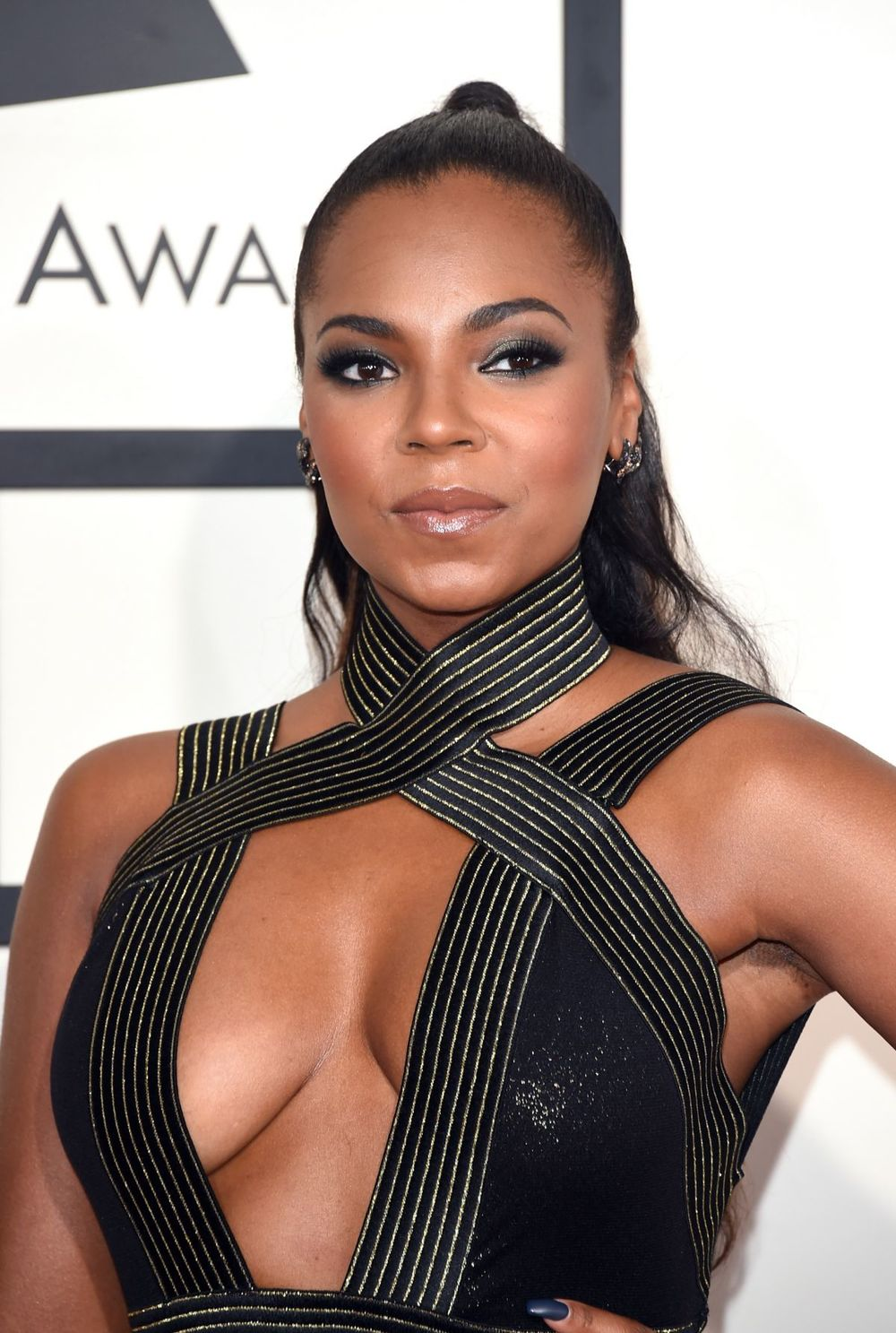 ashanti-at-2015-grammy-awards-in-los-angeles_1.jpg