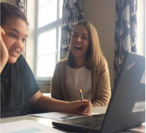 """Katharine, der til daglig er Konsulent, er meget tilfreds med elev, der """"rapkæftet på den fede måde lige som mig"""""""