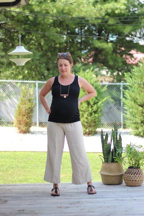 maternity capsule wardrobe