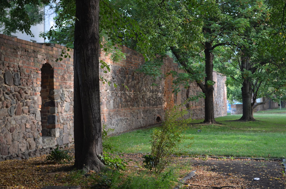 Berlin's Medieval City Wall was built around 1250. The last remaining remnant can be seen on Littenstraße in Mitte.