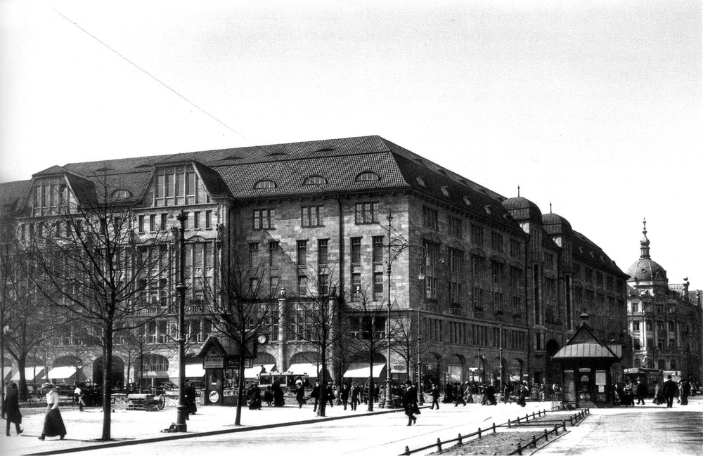 Kaufhaus des Westens (KaDeWe), one of the most famous department stores in Berlin, was originally owned by Hermann Tietz & Co. This photo was taken in 1907. Photo Credit:  Wikipedia