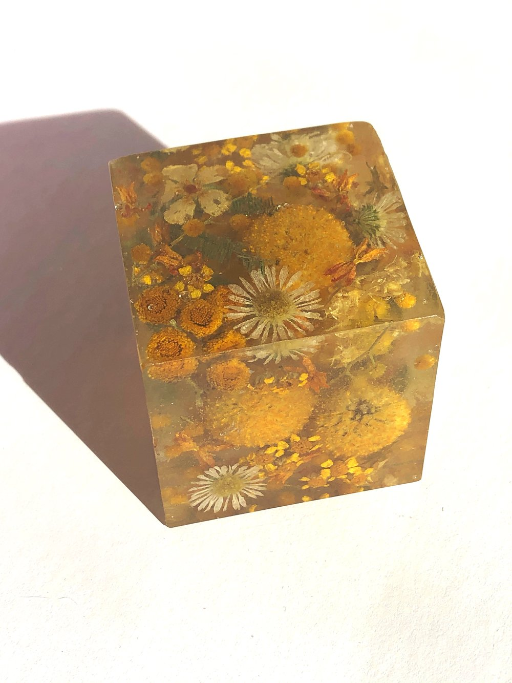 All yellow flower cube