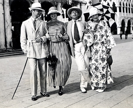 (L to R) Gerald, Genevive Carpenter, Cole Porter & Sara in Venice