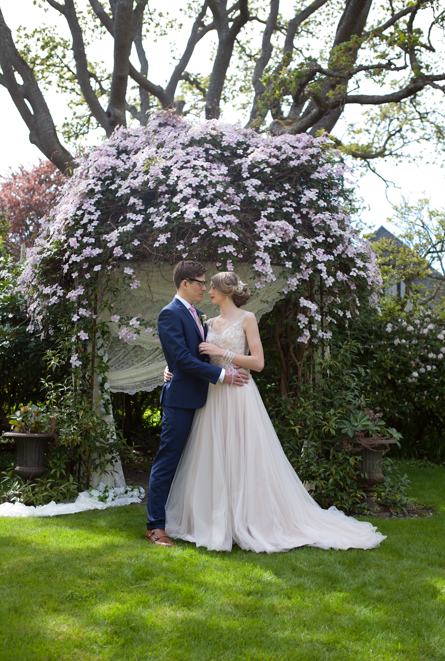 Portrait of bride and groom at Villa Marco Polo Inn, Victoria, BC