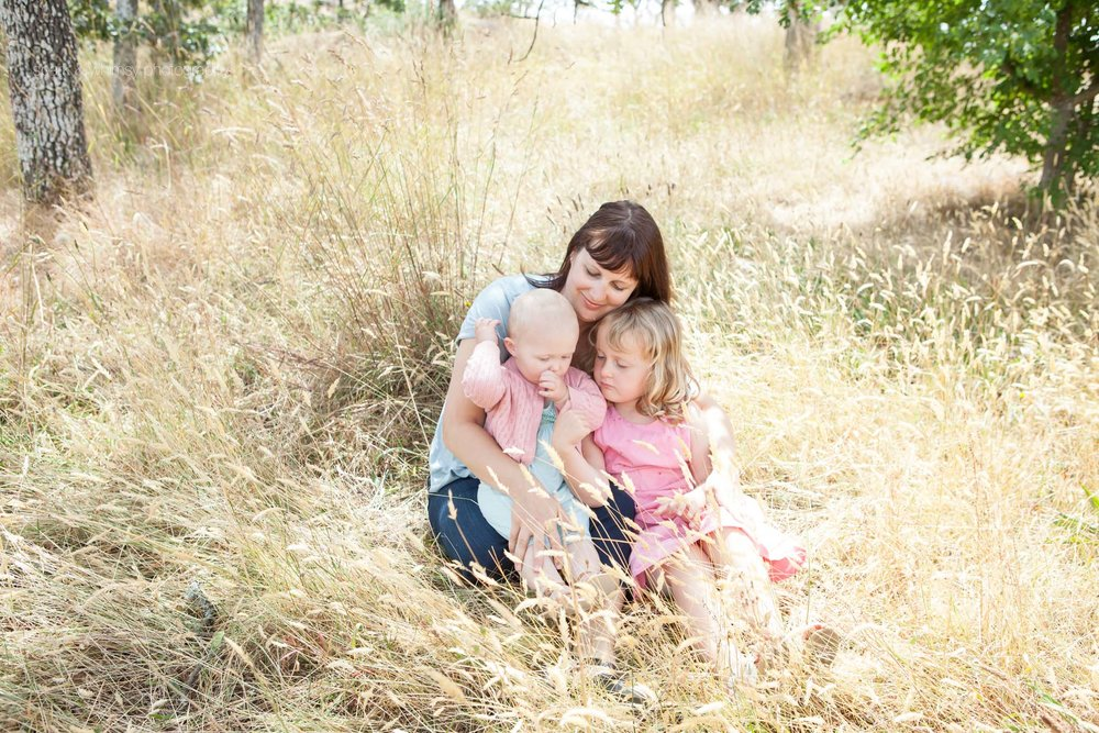 Mother and daughters family portrait | Victoria BC Family Photographer