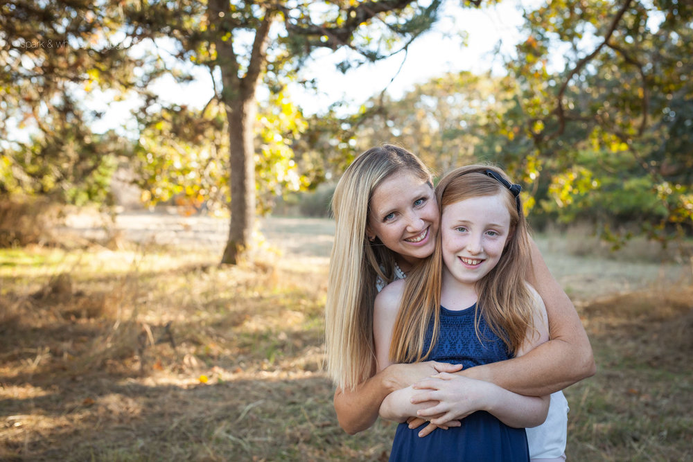 Outdoor mother daughter portrait | Victoria BC Family Photographer