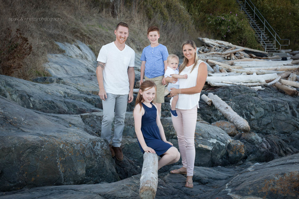 outdoor family portrait | victoria bc family photography