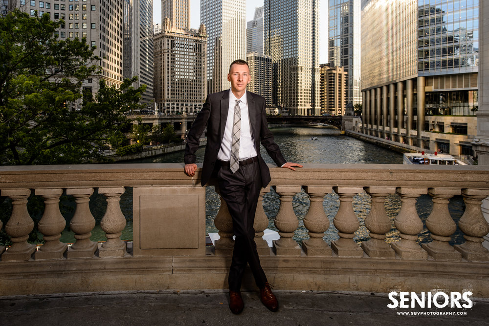 High school senior picture on Michigan Avenue overlooking the Chicago River.