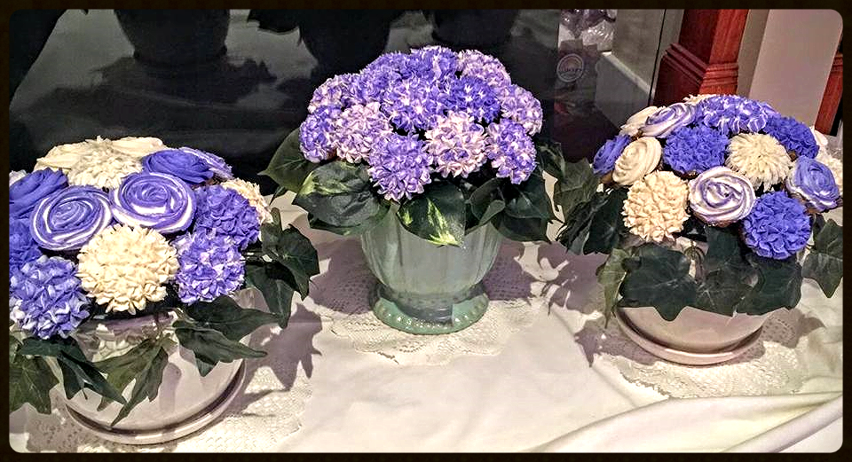 Beautiful Bouquets by Bobbie! How gorgeous are these!!! Bobbie, thank you for sharing your pictures of these beautiful bouquets with us. I love, love, love them!