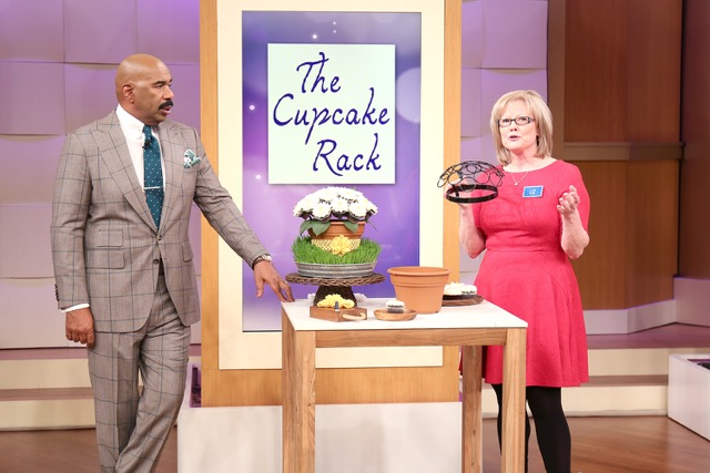 Steve Harvey Lizzy  the cupcake rack steve harvey show.png