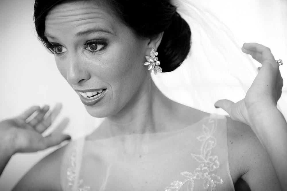 Bride prep photo during her Chicago wedding.